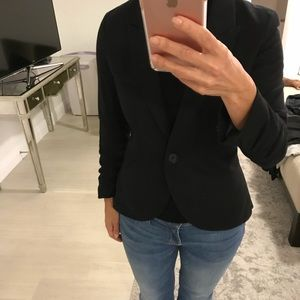 Black fitted knit blazer